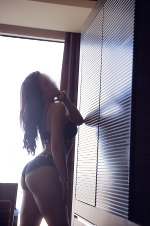Anne-katell escort girl in Chelsea