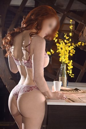 Morwenn escort girl in Downers Grove IL