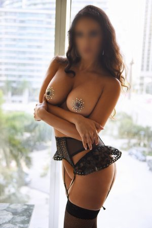 Tea incall escort